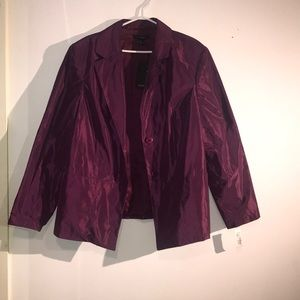 New with tags Linda Lundsteron- Rose plum jacket